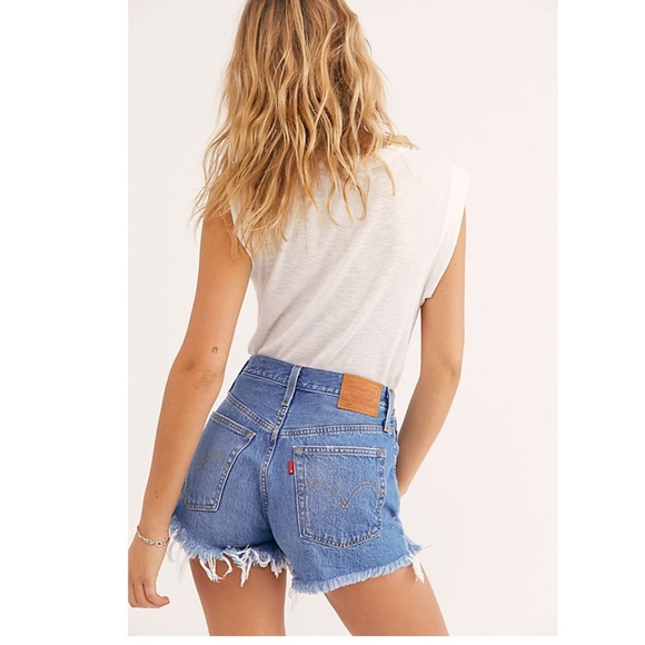 Levis's 501 high rise distressed jeans shorts NWT